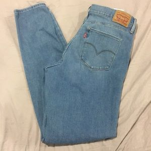 Levi's 311 shaping skinny -size 31